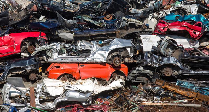 Car scrap yard in brampton1